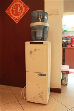 转美的饮水机及净水器