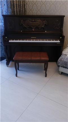 欧式古典钢琴转让,斯坦尼126几乎全新7800