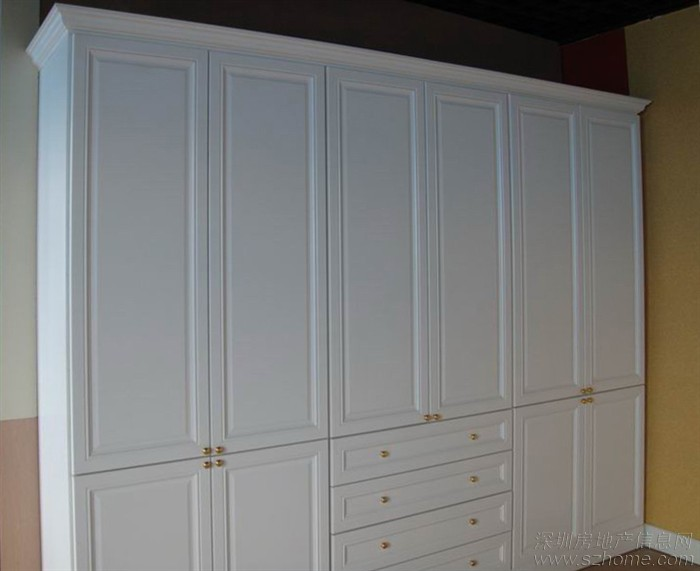 柜体采用奥地利进口爱格板(白色或者白木纹色板)