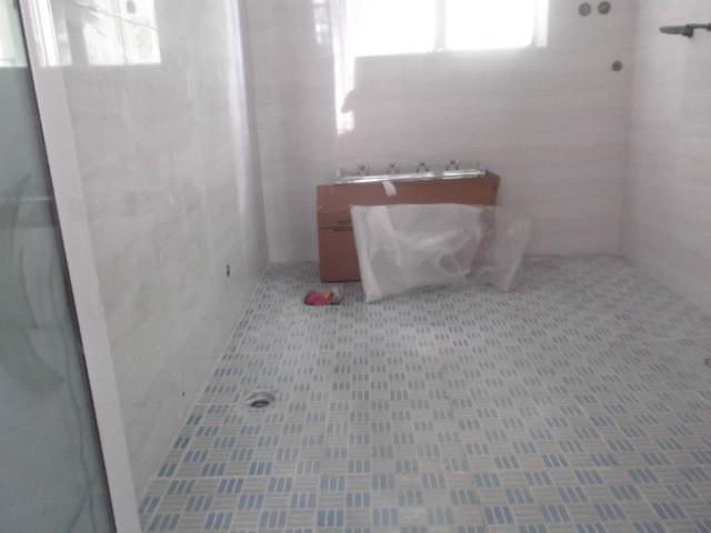 室内装修 贴墙砖 铺地砖 大理石砌墙 批灰 刷墙厨房 卫生高清图片