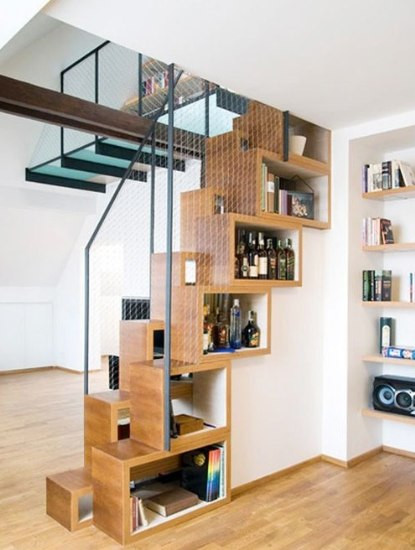 装修论坛 装修交流  > 小空间肩负重任 楼梯空间收纳法     俯瞰的