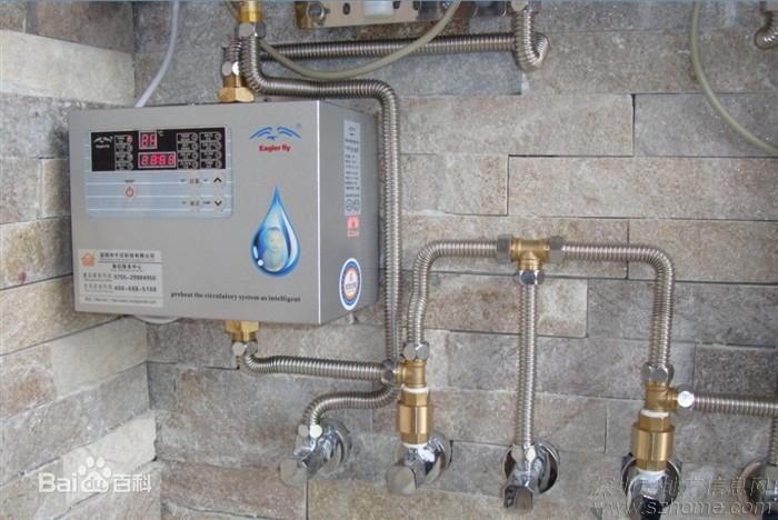 回水器管道很多,外貌控一般不能接受,可以选择连同热水器一起用防腐木图片