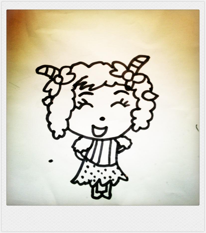 > 爱画画的小姑娘:)