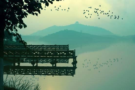 歌曲美丽的松山湖简谱