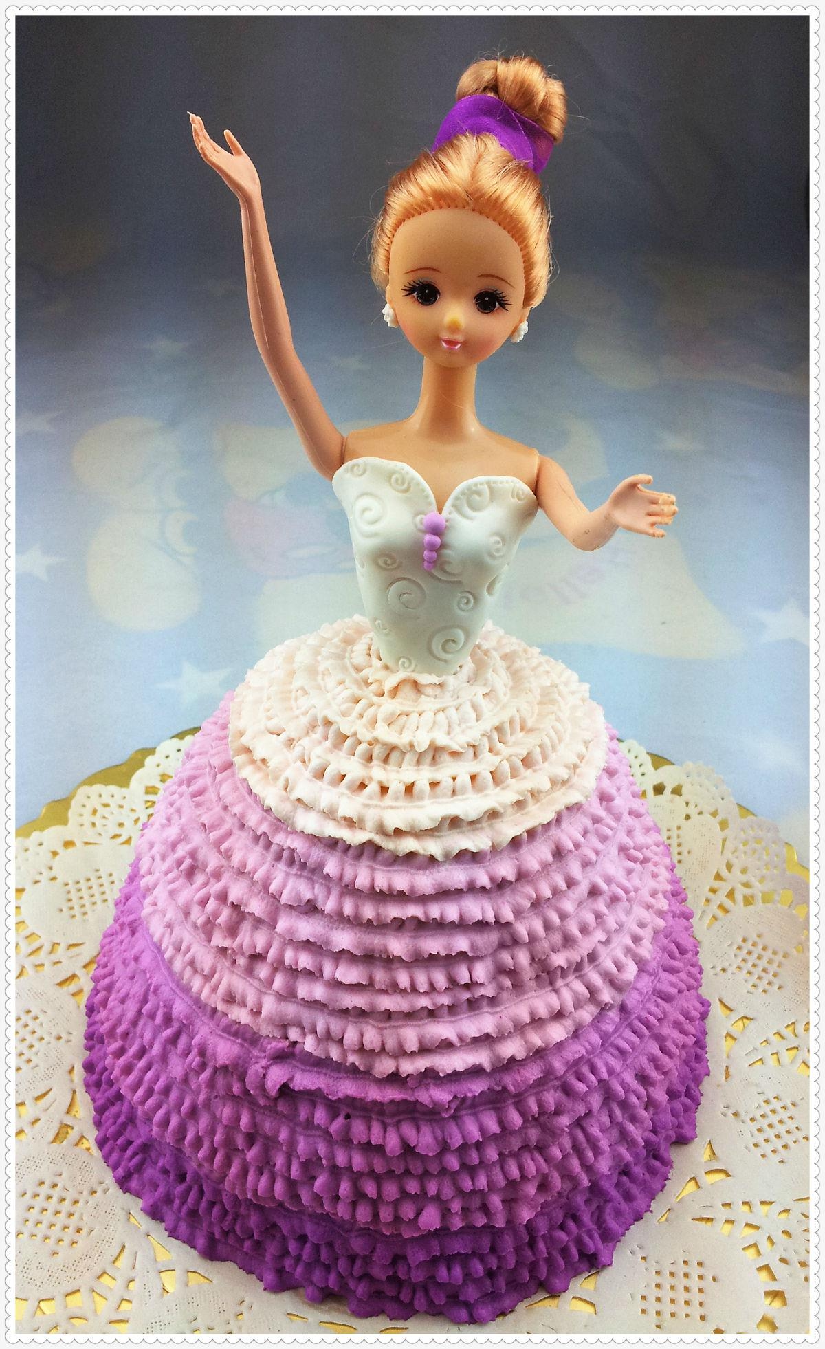 给喜欢的女生送生日蛋糕,要问一下她喜欢的口味吗?