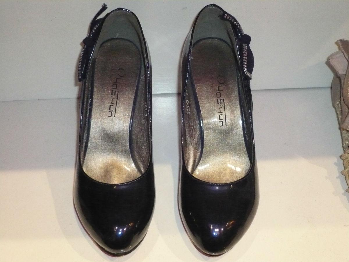 全新库存各种时尚可爱高跟鞋