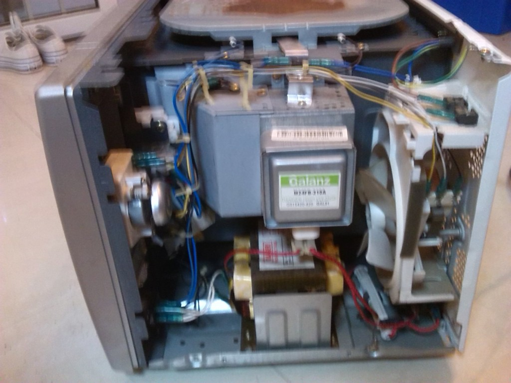 出一个定时器故障的微波炉