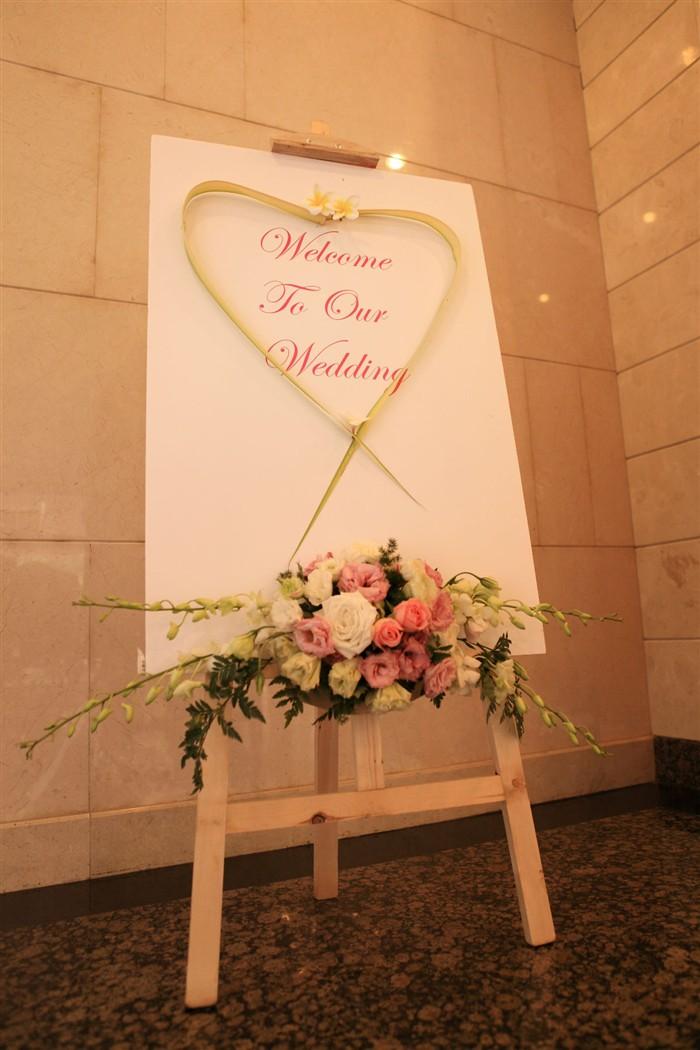 别墅室内婚礼布置照片
