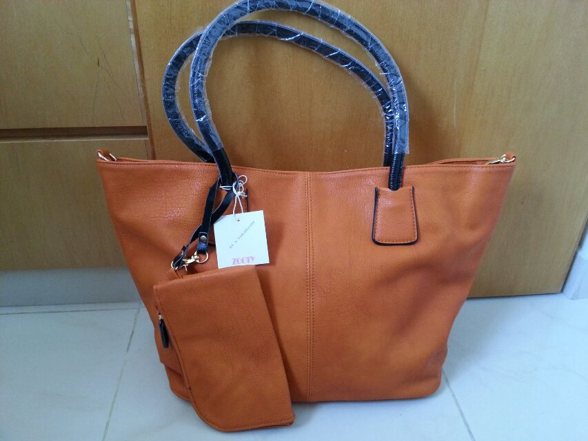 日本zooty牌的包包,香港买的,全线抢购中,要的进来看看,有图片!