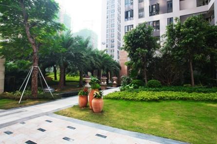 模拟夏季小区内部的温度,一层层绿荫一道道热防护设施,降低热岛效应