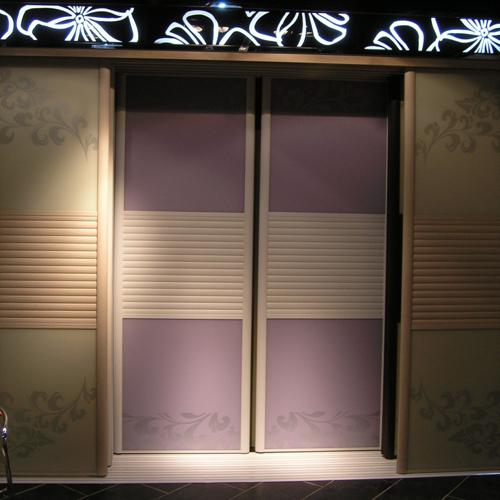 2013实用的索菲亚衣柜效果图 索菲亚衣柜隔断门系