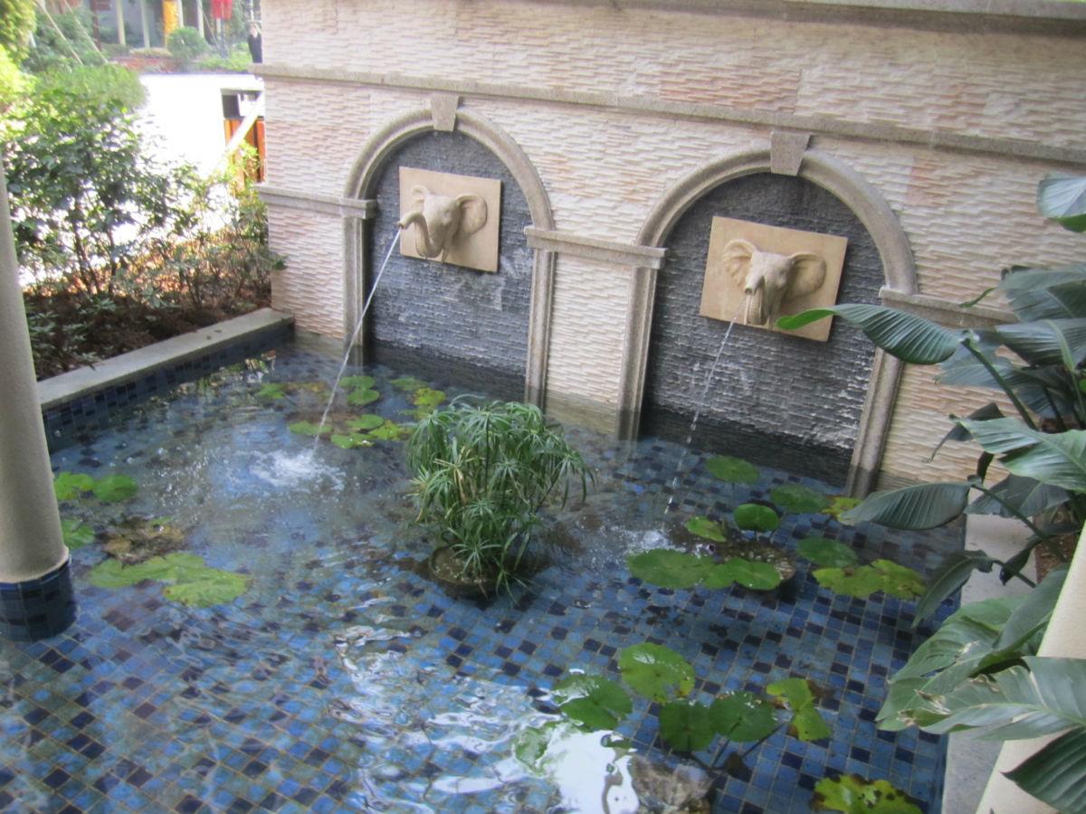 现楼香格名苑:园林水景 儿童乐园 公园景观