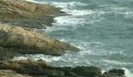 置身于南澳半岛的蓝天碧海边