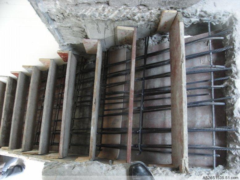 专业搭混凝土楼板和楼梯