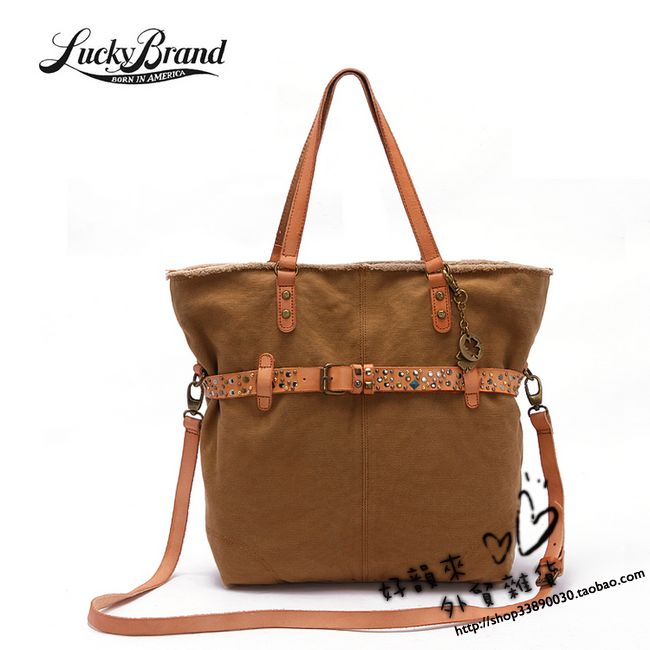 棕色包包搭配衣服图片