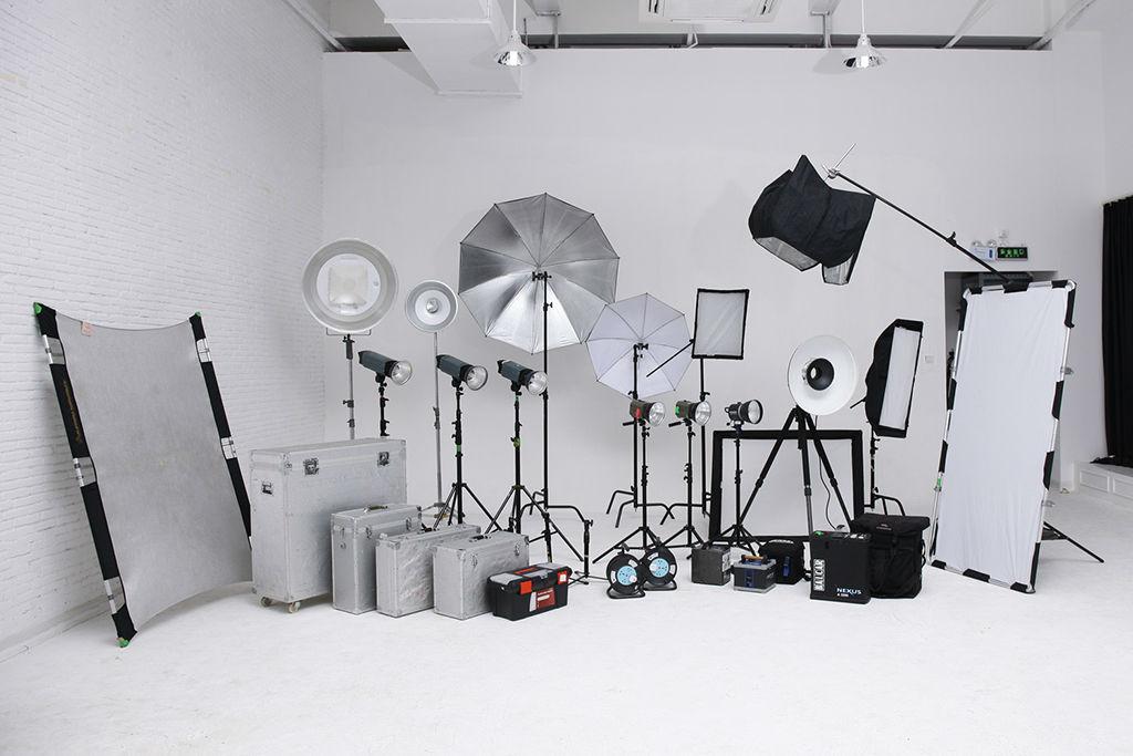 摄影棚                                                     器材