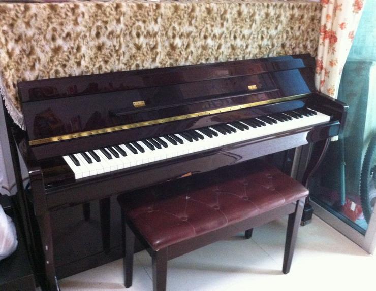转让家用钢琴图片