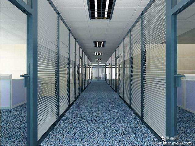 深圳科技园办公室装修,写字楼装修玻璃隔墙,强弱电布线