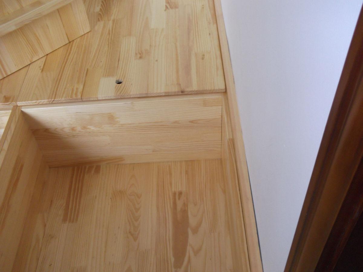 找木工师傅一名做榻榻米一个