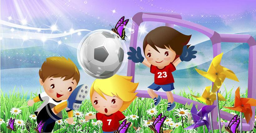 29日会展中心8号馆外教指导现场踢足球,打篮球,喜欢运动的小朋友一定