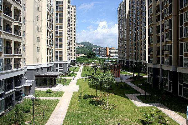 > 坪地建国际低碳城,实探安居商品房香林世纪华府