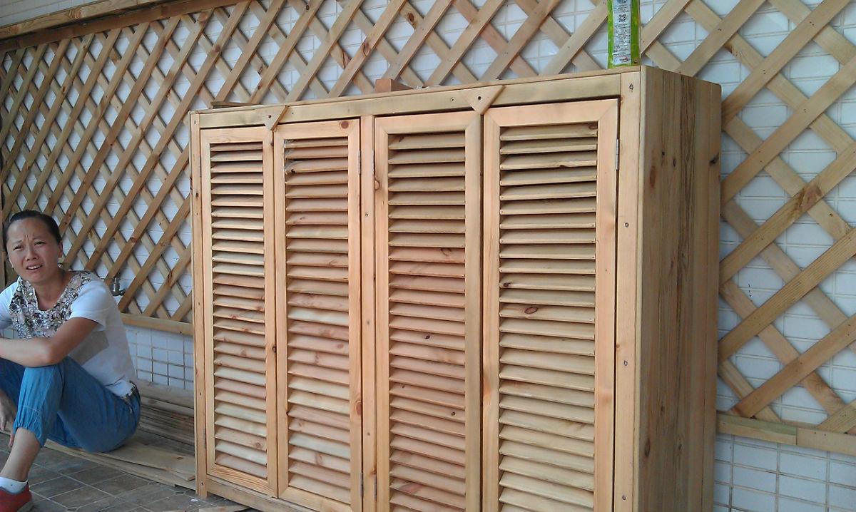 如何制作防腐木网格门窗?