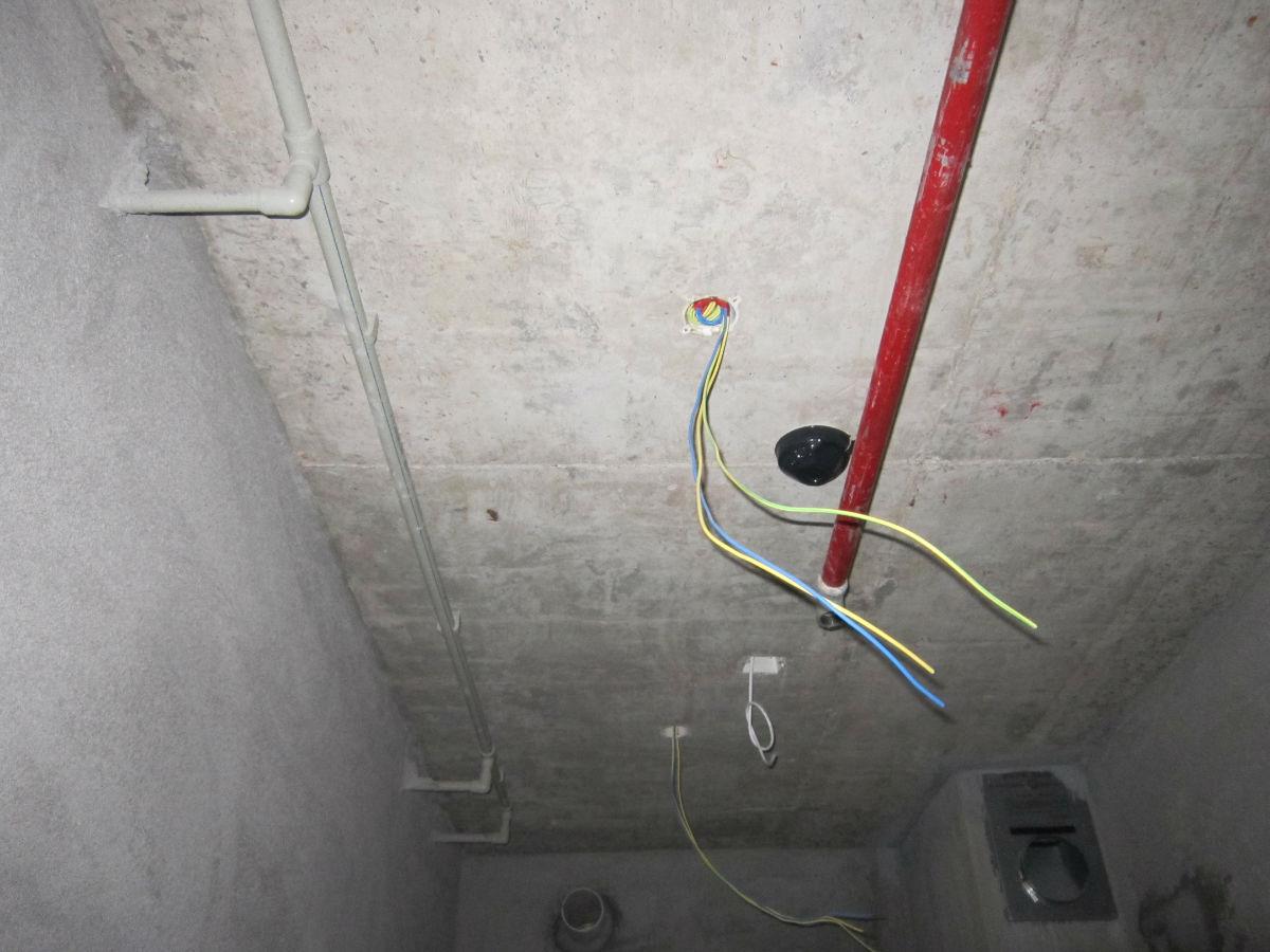 3-公寓室内穿线施工中