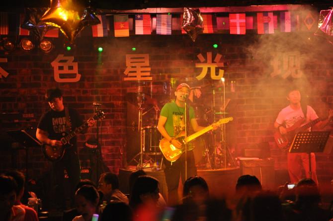 深圳酒吧装修设计